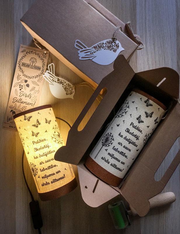 ''Paldies!'' Lampa